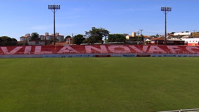 Estádio Onésio Brasileiro Alvarenga (Foto: Reprodução / TV Anhanguera)