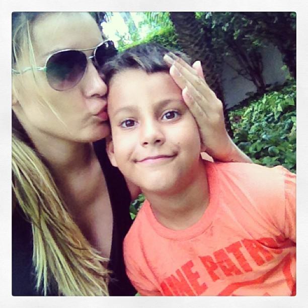 Andressa Urach com o filho (Foto: Reprodução/Instagram)