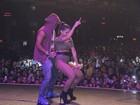 De Pedrita estilizada, Anitta sensualiza em show no Rio