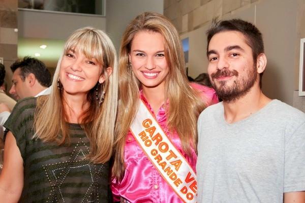 Rodaika, Caroline Escouto e Luciano Potter (Foto: Fotos Werner/ Divulgação)