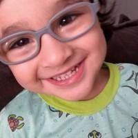 7e0c06834 Óculos e tampão: como saber se meu filho precisa usar e como fazê-lo se  acostumar?   Blog Anedotas de Mãe da Rede Globo