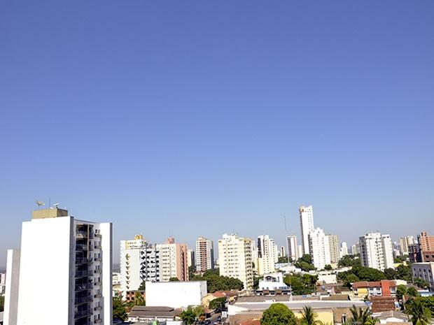 Sábado e domingo terá máximas de 36ºC e mínimas de 20ºC.  (Foto: Denise Soares/G1)