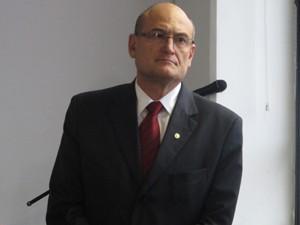 Secretário da Saúde (Foto: Márcio Pinho/G1)