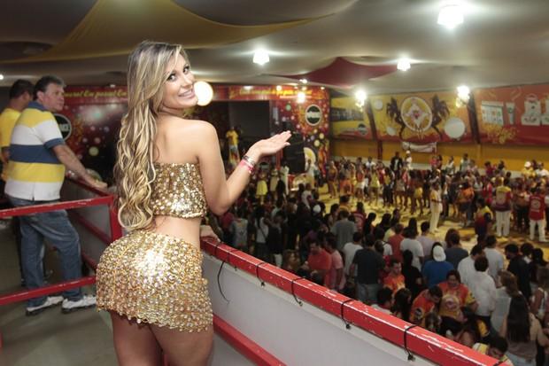 Andressa Urach no ensaio da escola de samba Tom Maior me São Paulo (Foto: Leo Franco/ Ag. News)