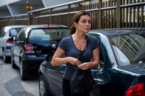 Adriana Esteves em cena de Babilônia (Foto: Estevam Avellar/TV Globo)
