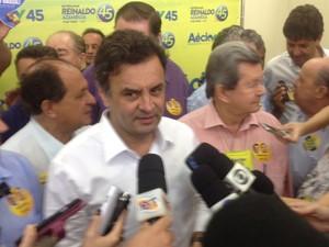 Aécio Neves fez campanha em Dourados (MS) (Foto: Nadyenka Castro/ G1 MS)