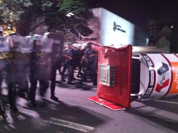 Cabine da PM foi depredada durante protesto em São Paulo (Foto: Ana Carolina Moreno/G1)