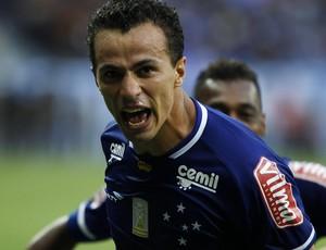 Leandro Damião, atacante do Cruzeiro (Foto: Washington Alves/Light Press)