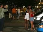 Michael Phelps tira foto com fãs na Zona Sul do Rio
