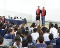 Bruninho e Serginho palestram para jovens em visita à Canção Nova