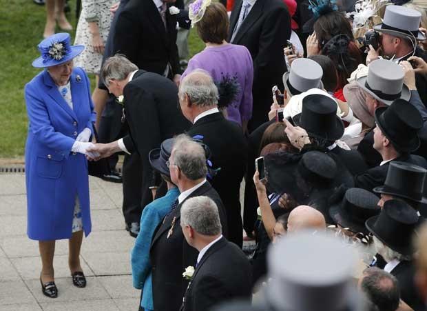 Rainha de 86 anos assistirá ao Epsom Derby no sul da Inglaterra. (Foto: Eddie Keogh/Reuters)