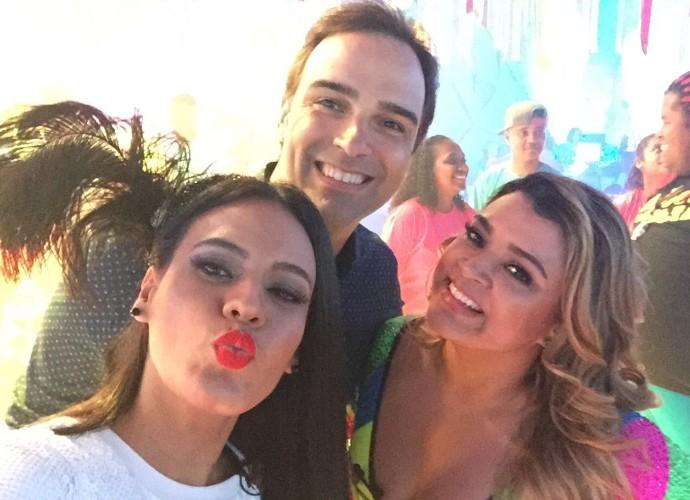 Letícia Lima caiu no samba no 'Fantástico' deste domingo (31) (Foto: Globo/Divulgação)