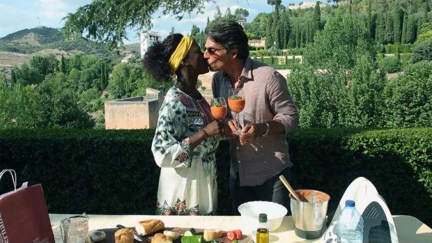 Olivier e Adriana aproveitam a viagem  Granado, Espanha (Foto: GNT)