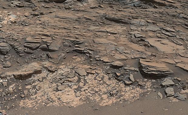 Solo na parte central da cratera Gale, em Marte, era leito de grande lago (Foto: NASA/JPL-Caltech/MSSS)