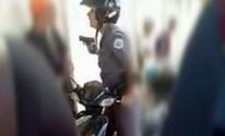 Policial é flagrada ameaçando e apontando arma para menor; vídeo (Reprodução/ TV TEM)