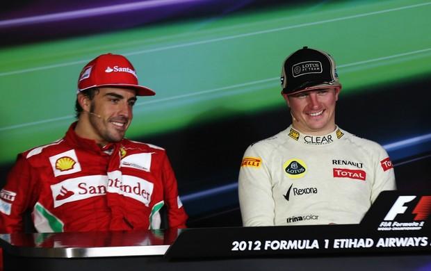 Fernando Alonso e Kimi Raikkonen em coletiva de imprensa durante a temporada da Fórmula 1 2013 (Foto: Getty Images)