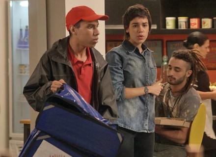 Riscado entrega pizza na redação da TD+ e se depara com foto de Sofia