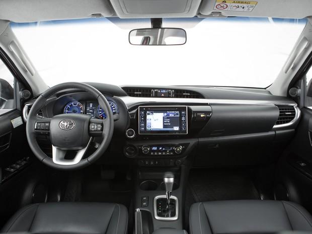 Interior da nova Toyota Hilux 2016 (Foto: Divulgação)