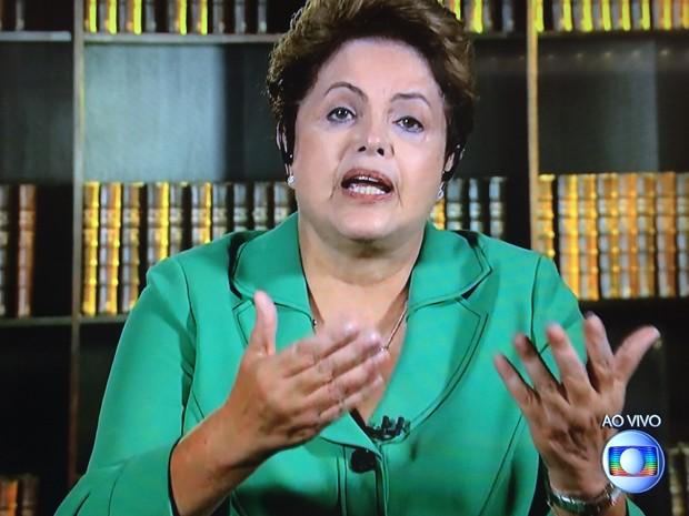 A presidente reeleita Dilma Rousseff, em entrevista ao Jornal Nacional (Foto: Reprodução)