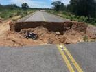Cratera em rodovia causa acidentes e morte no interior do Piauí
