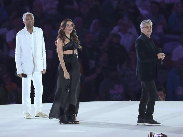 Caetano Veloso, Anitta e Gilberto Gil cantam na abertura da Olimpíada no Maracanã (Foto: Ag. News)