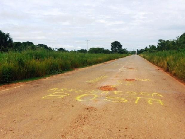 Taxista diz que é a pior fase da rodovia (Foto: Extra de Rondônia/Reprodução)