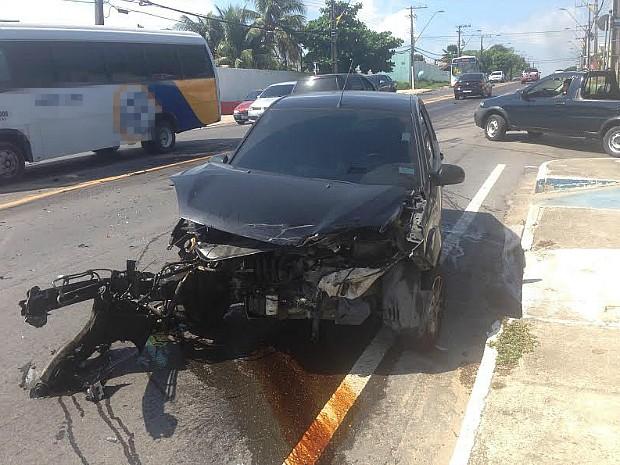 Motoristas tiveram danos materiais (Foto: Gabriel Mansur)