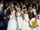 Casais dizem sim no Dia dos Namorados em festa junina