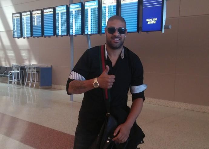 Adriano Miami United desembarque Las Vegas (Foto: Jorge Natan)