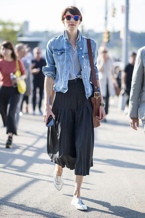 Jaqueta jeans (Foto: Imaxtree)