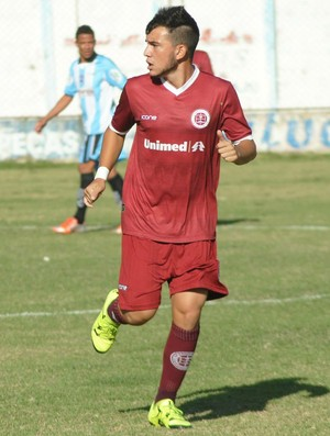 Gabriel Vargas, meia da Desportiva Ferroviária (Foto: Henrique Montovanelli/Desportiva Ferroviária)