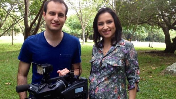 João Salgado e Sonia Campos gravaram programa no Parque da Luz (Foto: Mateus Castro/RBS TV)