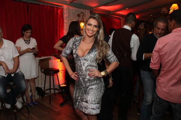 Fani Pacheco na festa de aniversário do cantor Naldo, no Rio (Foto: Thyago Andrade/Fotorio News)
