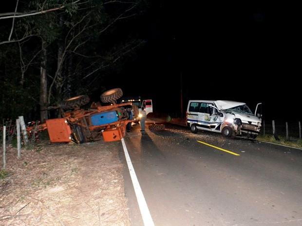 Van Ribeirão Bonito (Foto: Lucas Castro/Rb Na Rede)