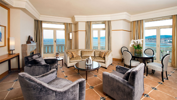 Em Cannes, Rihanna se hospeda em hotel com uma das diárias mais caras do mundo (Foto: Reprodução/Instagram)
