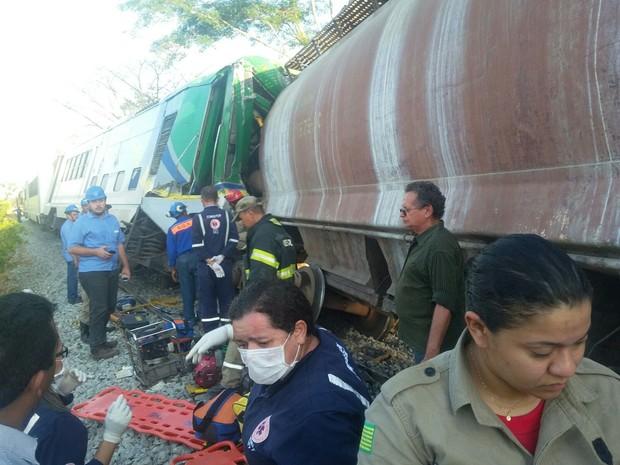 Acidende entre metrô e trem em Teresina (Foto: Ellyo Teixeira/G1)