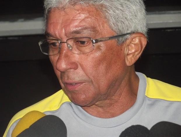 Givanildo Oliveira, novo treinador do ABC (Foto: Matheus Magalhães/GLOBOESPORTE.COM)