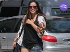 Look do dia: Anitta aposta em visual estiloso para passear no Rio