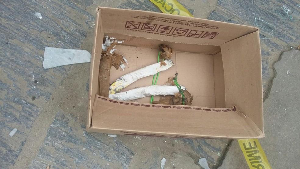 Material com cordão detonante e emulsão é usado, geralmente, para explodir pedreiras (Foto: Larissa Pereira/TV Globo)