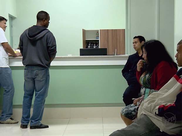 Vítimas morreram em fila de espera da Santa Casa de Alfenas (Foto: Reprodução EPTV)