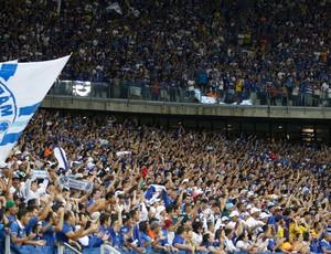 torcida cruzeiro e Grêmio (Foto: Gualter Naves / Light Press)