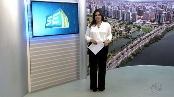 Lanne Pacheco apresenta o SETV 1ª Edição durante as férias de Ricardo Marques (Foto: Divulgação / TV Sergipe)