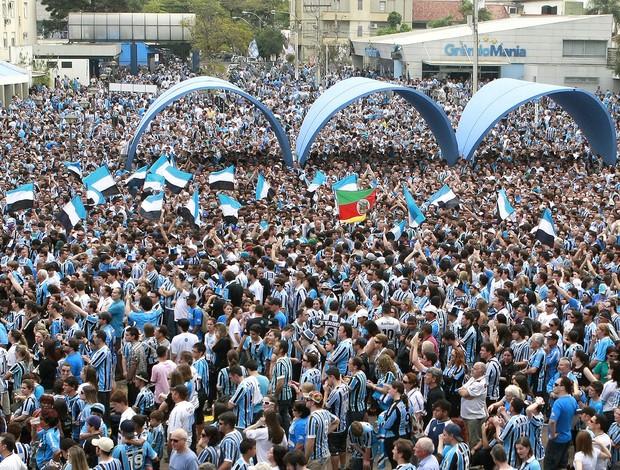 Torcida do Grêmio no Olimpico (Foto: Wesley Santos / Agência Estado)
