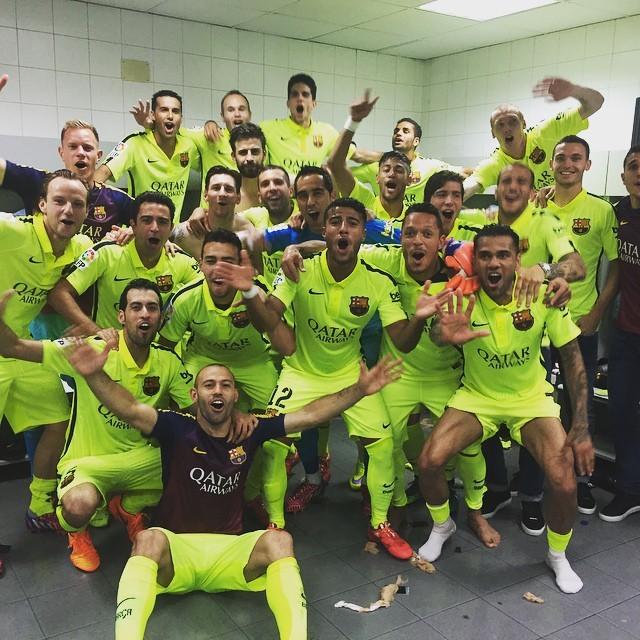 Neymar Daniel Alves Confira Os Boleiros Que Entraram: Selfie Culé! Jogadores Do Barça Comemoram Título No