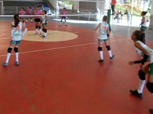 Projeto Coleimania ajuda meninas de Bom Despacho (Foto: Divulgação/ Prefeitura Bom Despacho)
