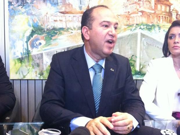Pasto Everaldo dá entrevista após ter sua candidatura ao Planalto confirmada pelo PSC (Foto: Vanessa Fajardo/G1)