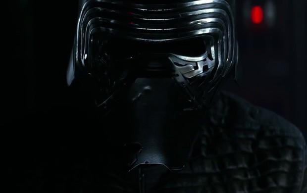 Kylo Ren é a nova ameaça sith de 'Star Wars: Episódio VII'. Ele é subordinado do supremo líder Snoke, que ainda não foi mostrado em imagens (Foto: Reprodução/YouTube/Star Wars)