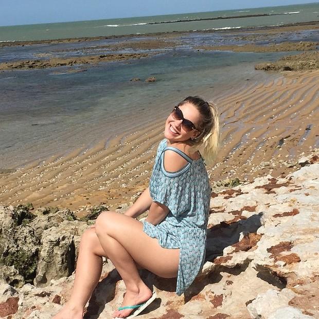 Ex-BBB Ana Carolina Madeira em Trancoso, na Bahia (Foto: Instagram/ Reprodução)
