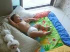 Priscila Pires posta foto fofa do filho dormindo: 'Soninho da tarde'