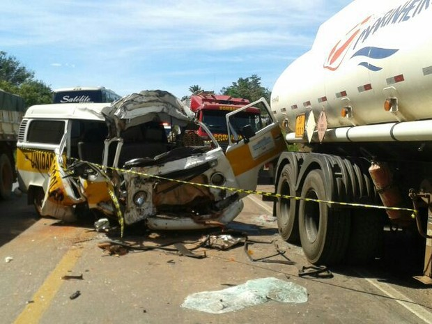 Acidente aconteceu na BR-153, em Araguaína (Foto: Phablo Martins/TV Anhanguera)